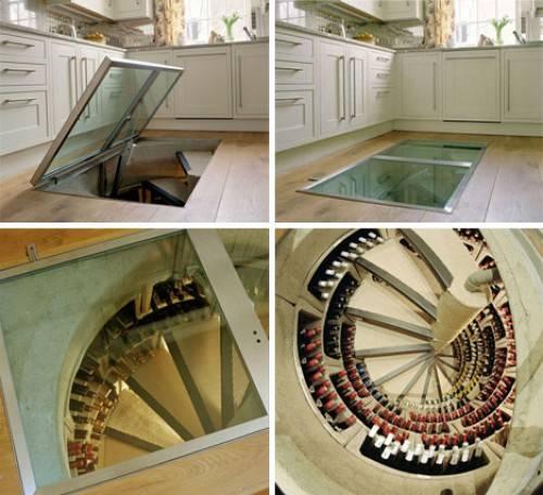 Uma escada adega para 1600 garrafas.